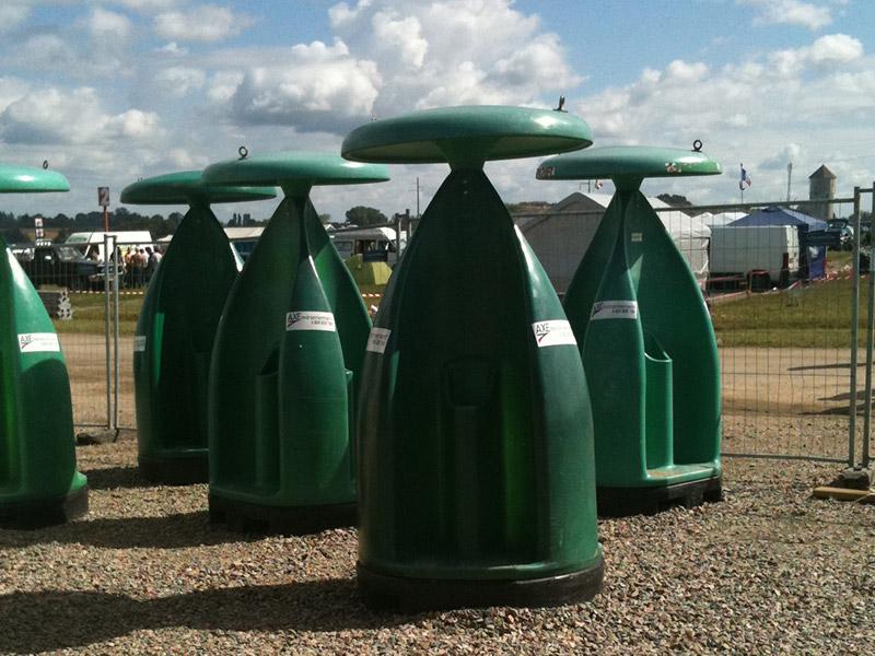 Vue ensemble urinoirs Axe Environnement