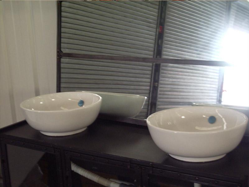 détail lavabos gamme zinc