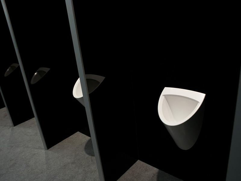urinoirs de la gamme prestige de axe environnement