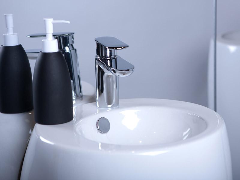 détail lavabos gamme rpestige axe environnement